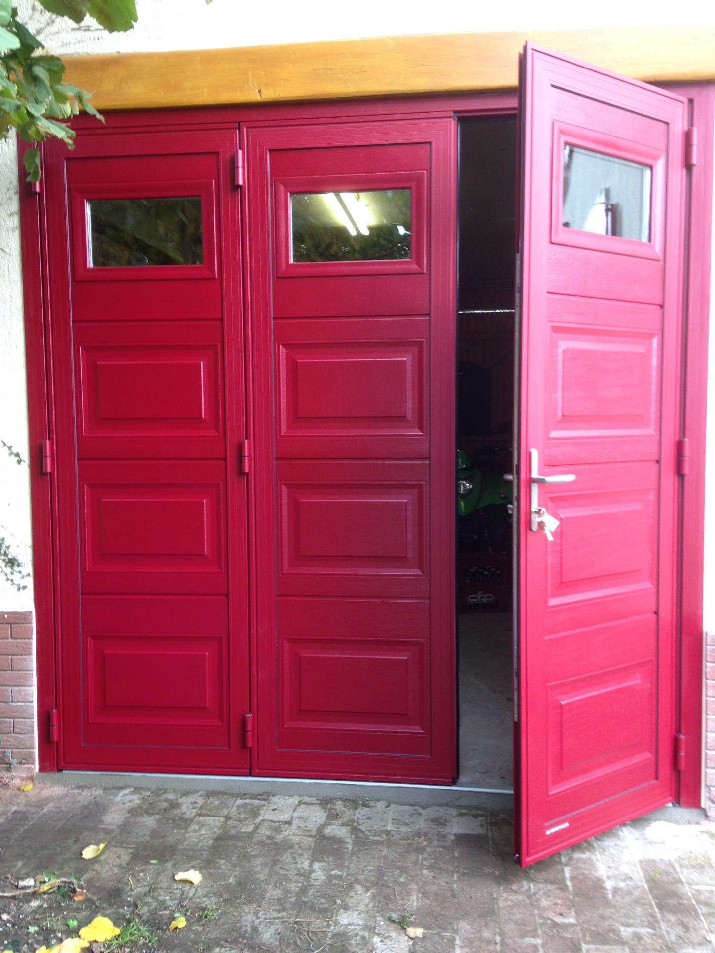 Portes de garage sectionnelles coulissantes basculantes for Porte garage basculante sur mesure